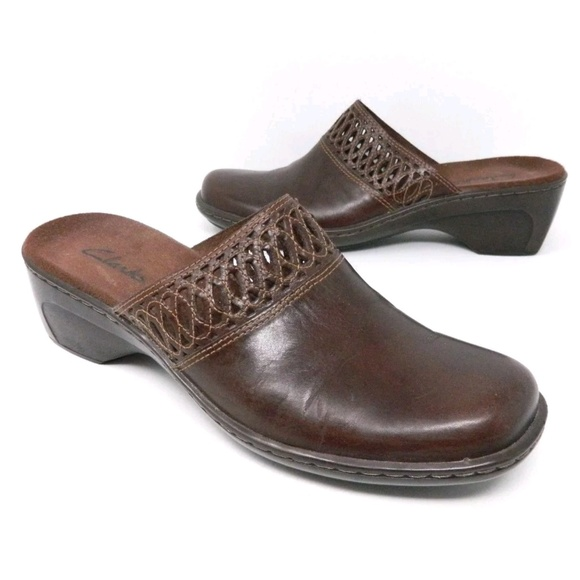 shop for clear-cut texture double coupon Clarks Womens Clogs Brown Slides Leather